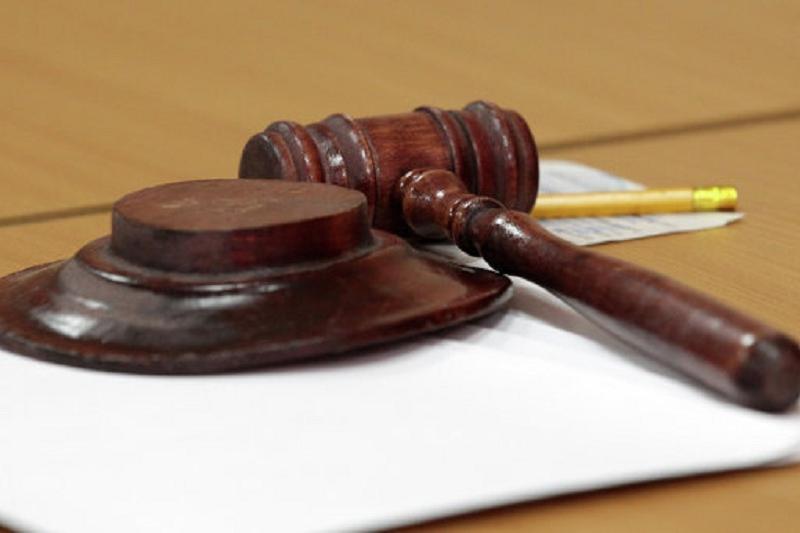 В Атырау суд решал спор между матерью и бабушкой о судьбе ребенка