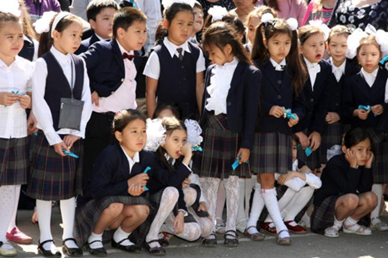 В Талдыкоргане на сбор в школу одного ученика выходит порядка 40 тыс тенге