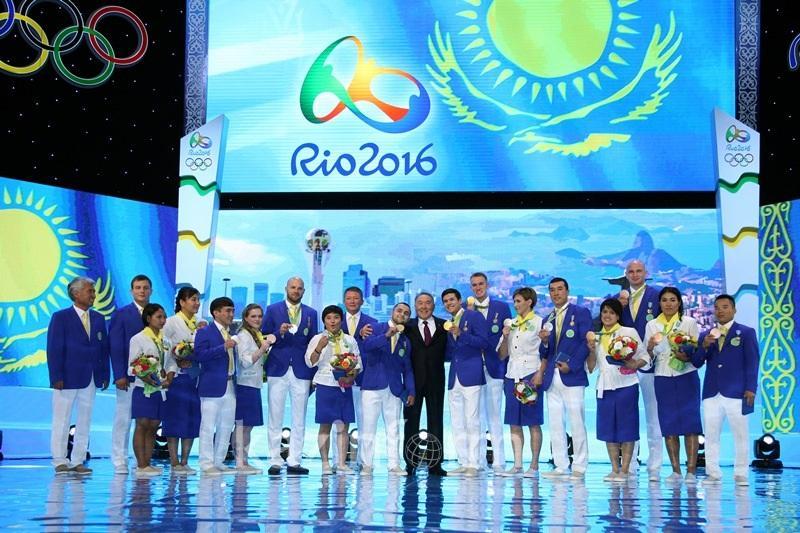 纳扎尔巴耶夫总统为里约奥运会银铜牌得主颁发国家奖项