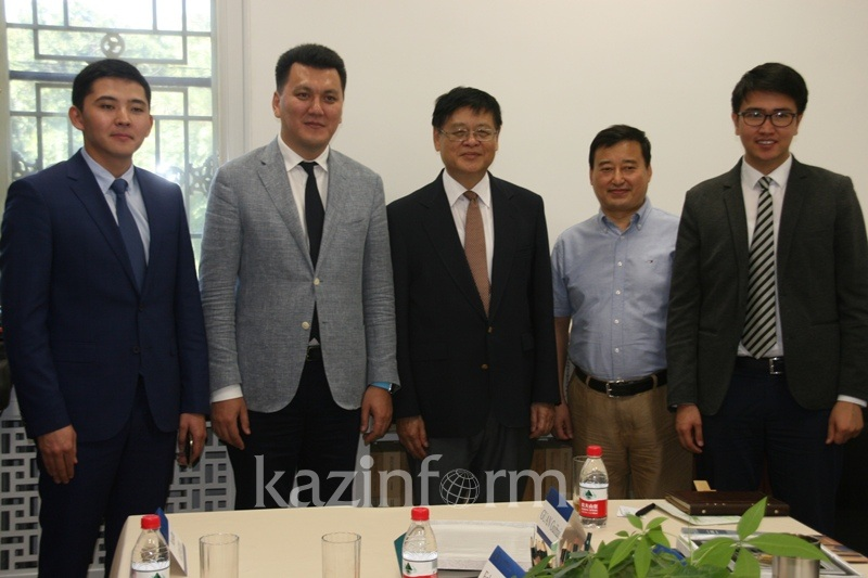 KazISS brings coop with Chinese experts to a brand new level