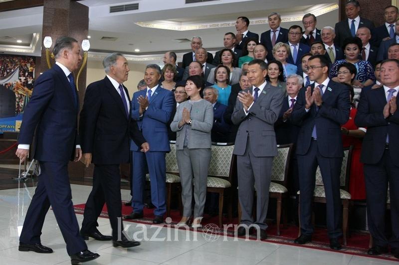 Получивший землю, должен за нее отвечать - Назарбаев