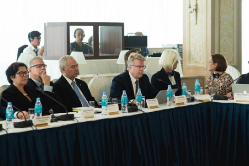 В Казахстане создадут 10 высших медколледжей