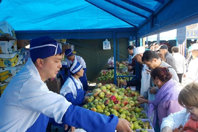 Аграрии Алматинской области привезли в Астану 340 тонн продукции