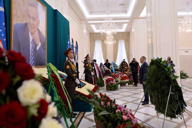 Nazarbayev laid flowers to tomb of late Uzbek President Islam Karimov