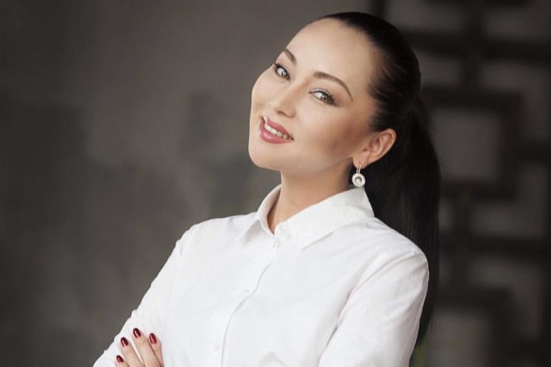 Баян Есентаева узнала, какую помощь женщинам оказывают кризисные центры