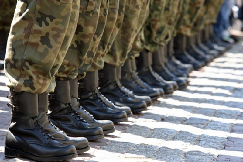Количество суицидов в армии Казахстана снизилось почти в два раза
