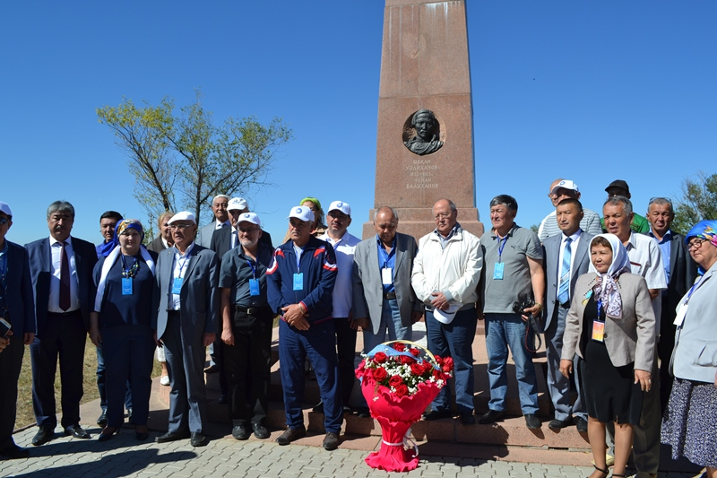 Участники «Бесед на Шелковом пути» посетили холм Чингисхана