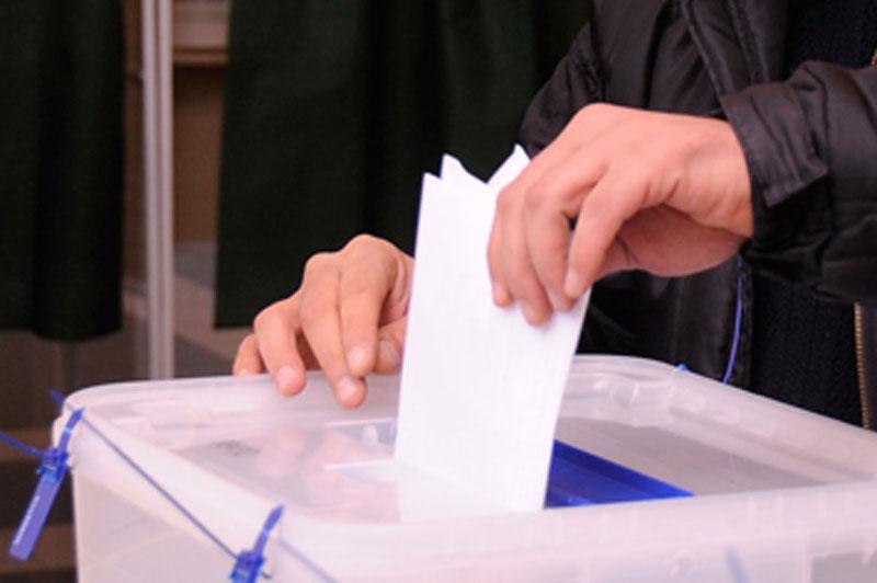 30,6% избирателей проголосовали на референдуме в Азербайджане