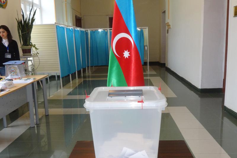 Казахстанские наблюдатели оценили активность участников референдума в Азербайджане