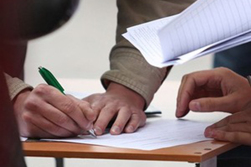 В Кыргызстане начат сбор подписей против референдума