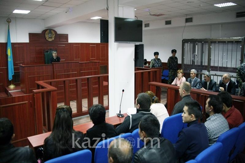 Кулекбаев не подчинился требованию судьи отвечать на вопросы стоя