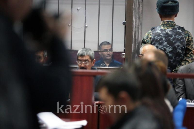 Сот талабына бағынбаған Күлекбаевты судья залдан шығарып жіберді