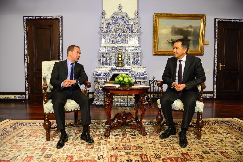 Сагинтаев и Медведев обсудили перспективы двустороннего сотрудничества РК и РФ