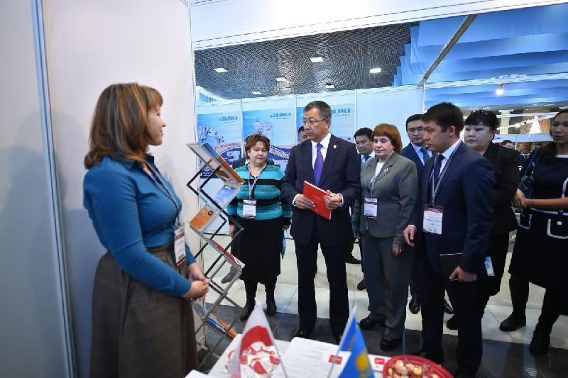 50 компаний легпрома представили продукцию в Шымкенте