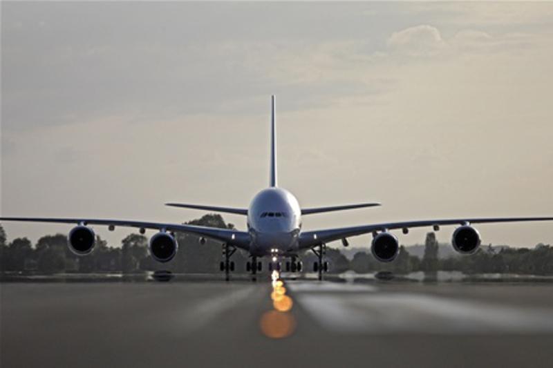 Авиарейс в Алматы задержали из-за ложной информации о бомбе в аэропорту Бишкека