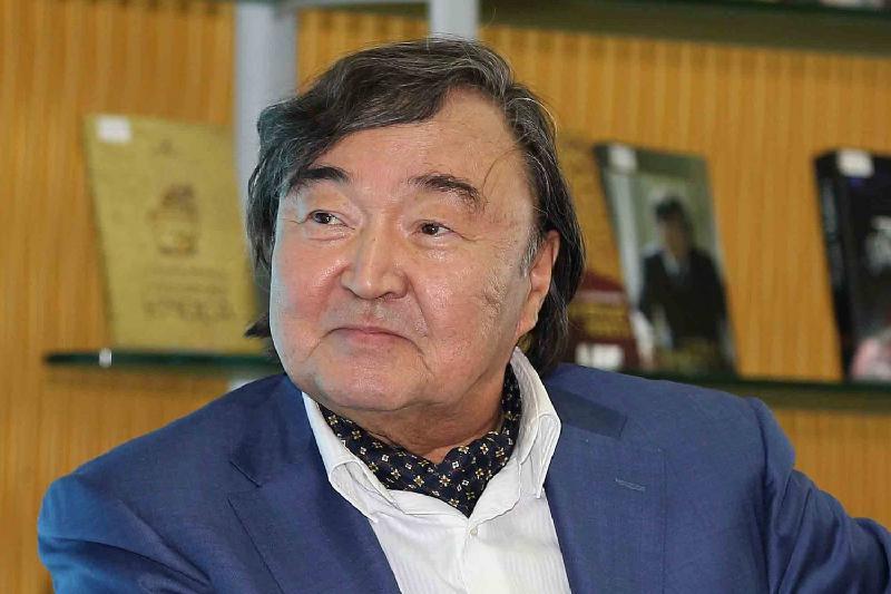 Олжас Сулейменов передает эстафету антиядерного движения молодым