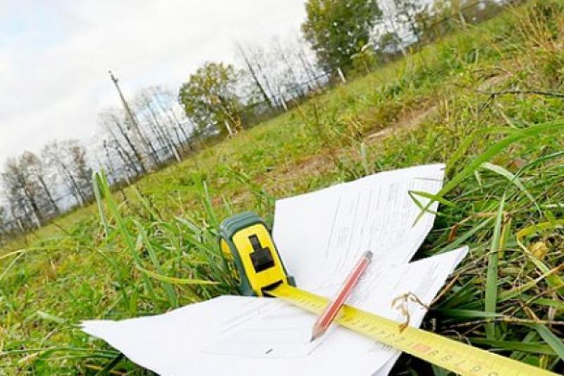 Мажилис принял в работу законопроект о продлении моратория на поправки в Земельный кодекс