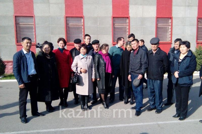 Памятник жертвам теракта в Алматы попросили поставить родственники погибших