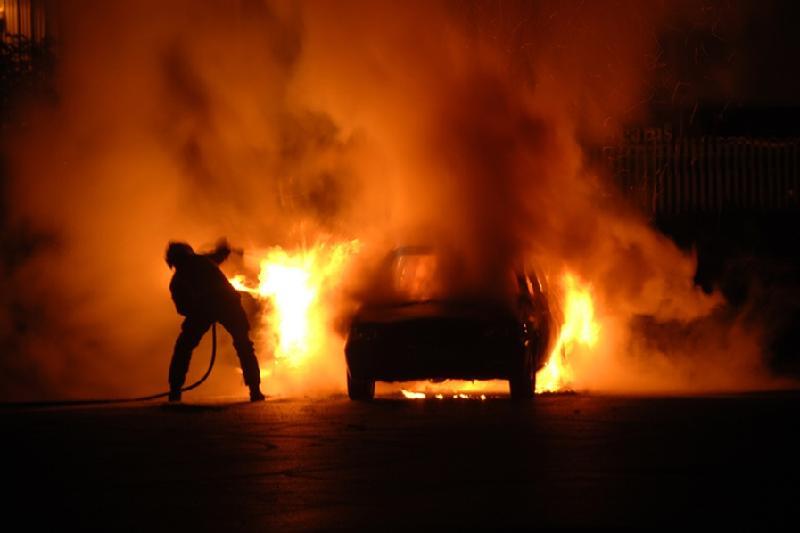Toyota Camry врезалась в Audi и загорелась в Алматы