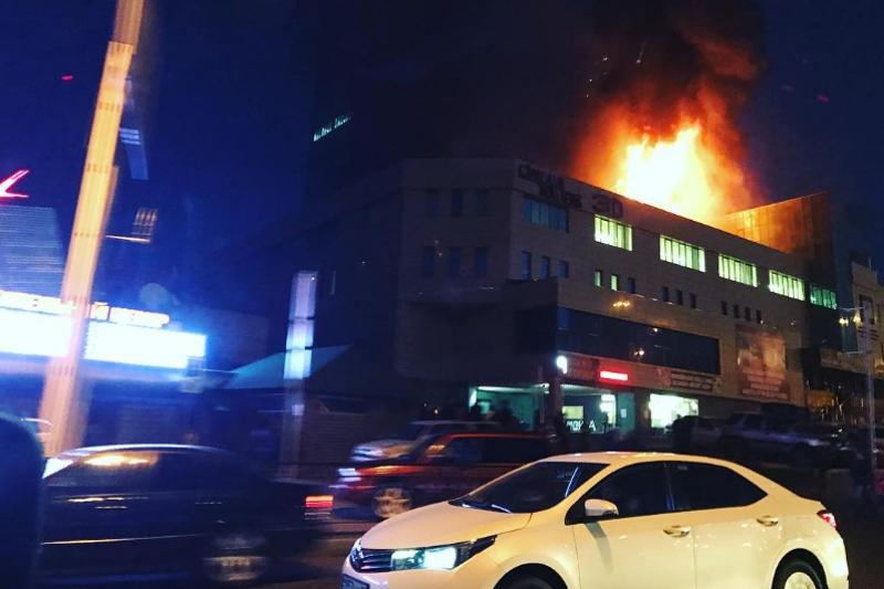 ДЧС Алматы: горит кровля кинотеатра «Сinema Towers»