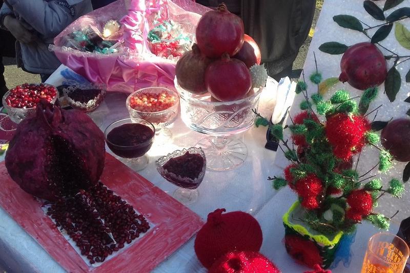 Как проходит праздник граната в Азербайджане