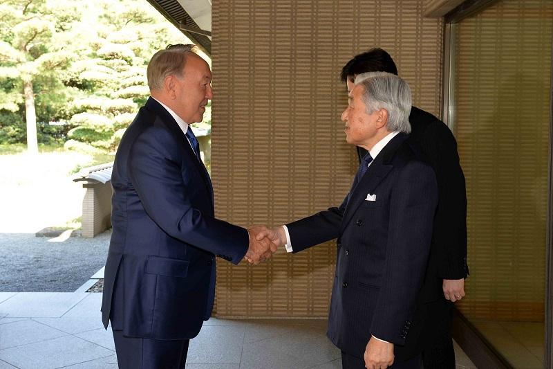Nazarbaev Japonııa Imperatorymen kezdesti