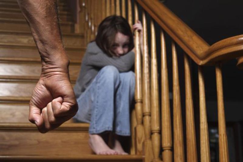 660 родителей в ЮКО оштрафовали за плохое воспитание детей