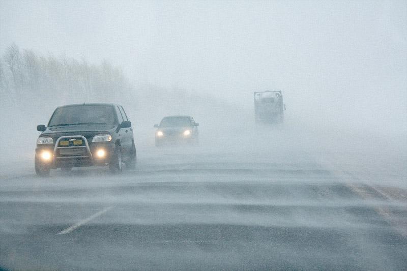 В двух областях Казахстана из-за непогоды закрыли дороги