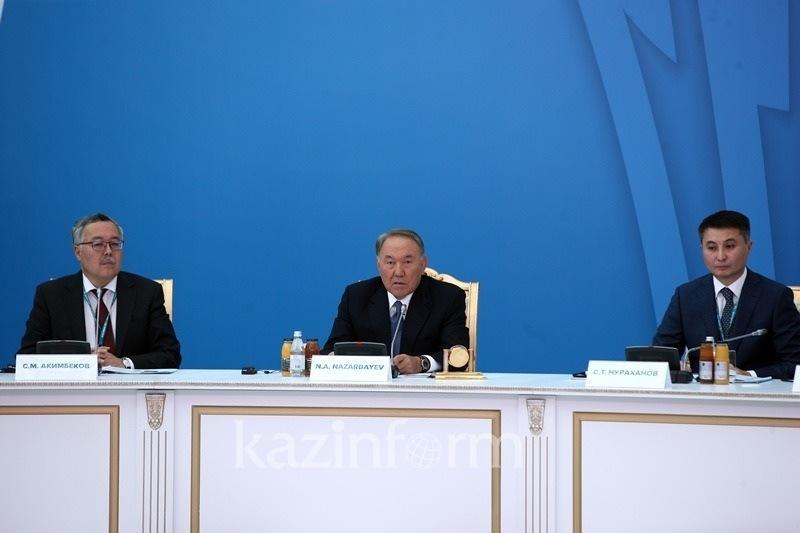纳扎尔巴耶夫总统在第二届阿斯塔纳俱乐部会议上发表讲话