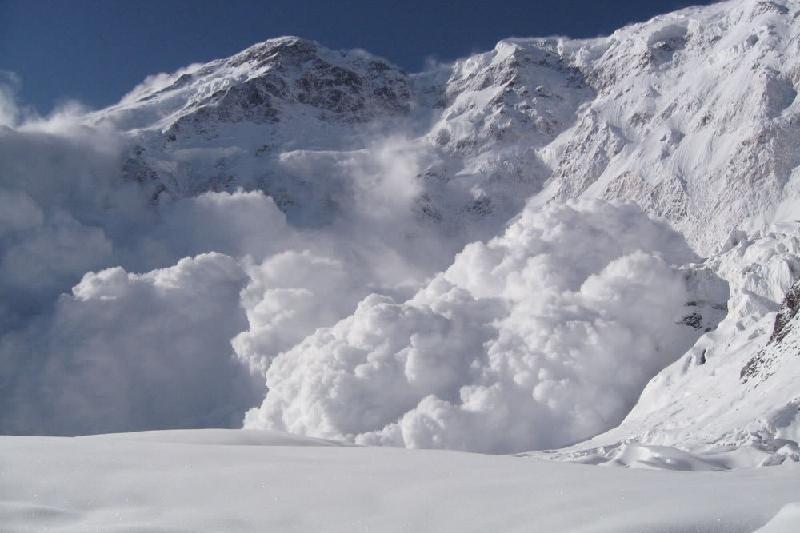 В горах Алматы сохраняется опасность схода лавин