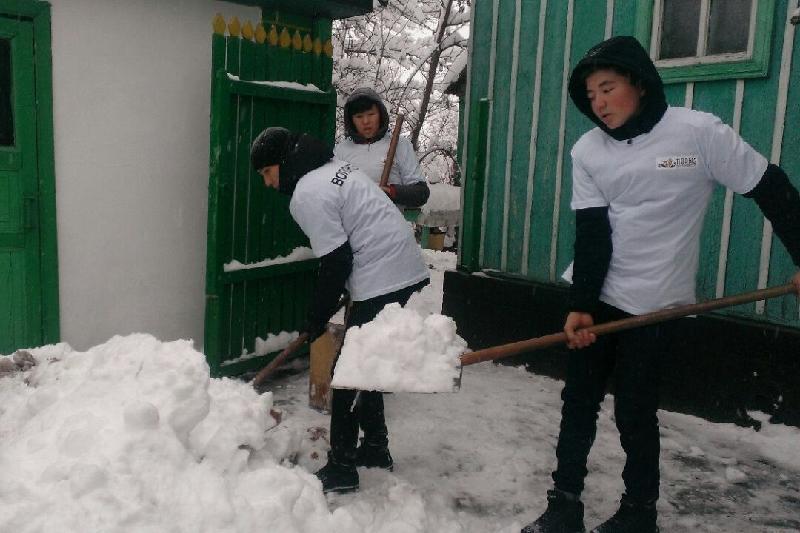 Almaty oblysy:  «25 juldyzdy kún» aıasynda eriktiler qarttarǵa qamqorlyq úlgisin kórsetti