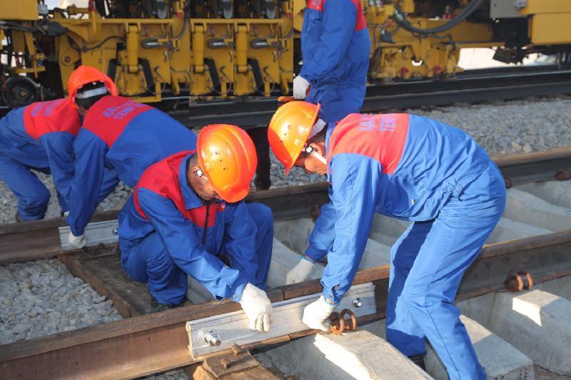 Рельсы актюбинского завода используют при строительстве вторых путей от Алматы-1 до Шу
