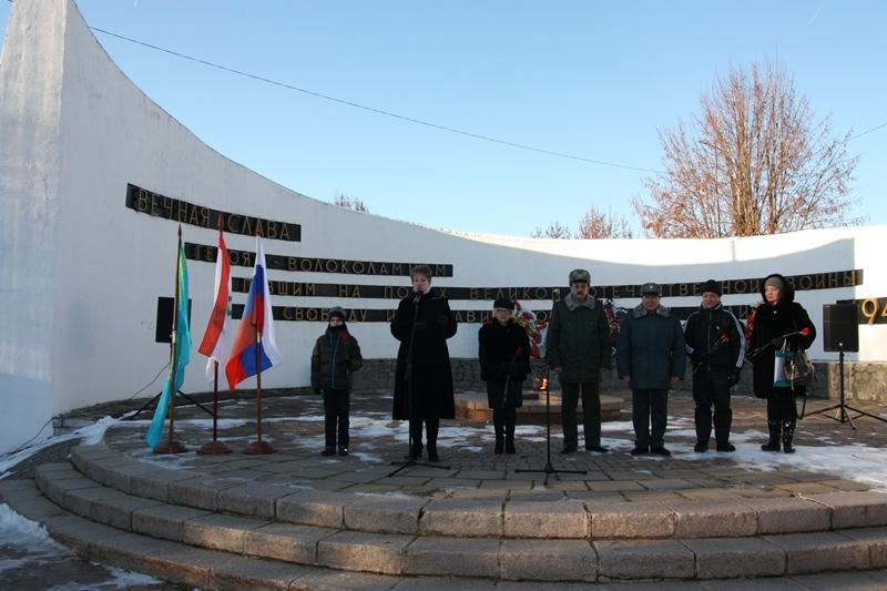 В память о героях-панфиловцах в Волоколамске посадили 28 елей