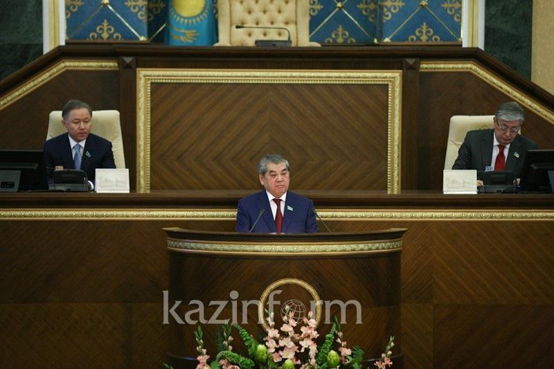 Отразить имя Назарбаева в названии столицы предложил депутат  Султанов