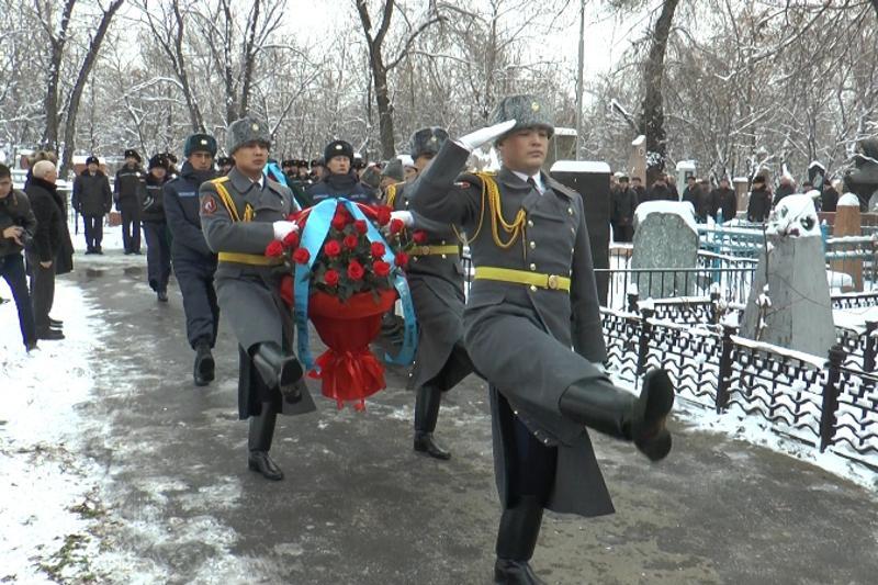 Память погибших 25 лет назад в Нагорном Карабахе почтили в Алматы
