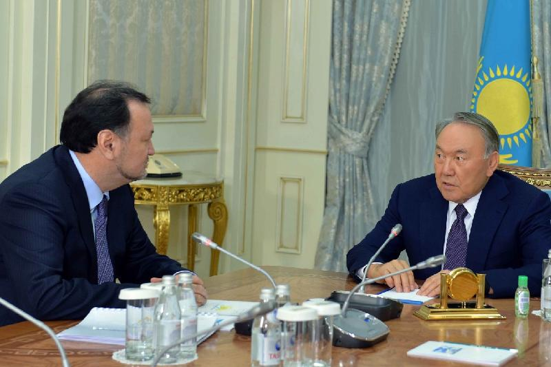 Nazarbayev commends Nur Otan Party's role in  Kazakhstan's development