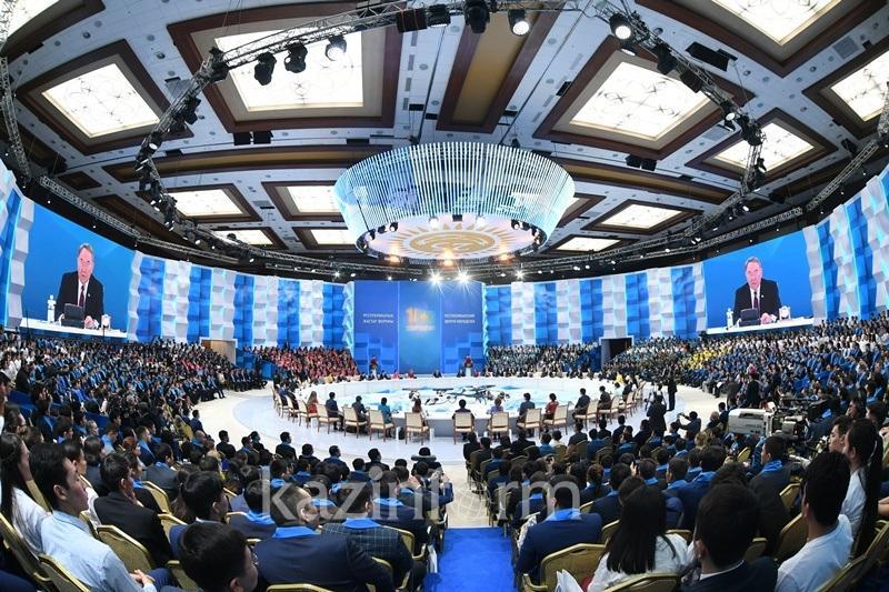 Назарбаев Тәуелсіздіктің елең-алаңында Парламентті не үшін таратып жіберді