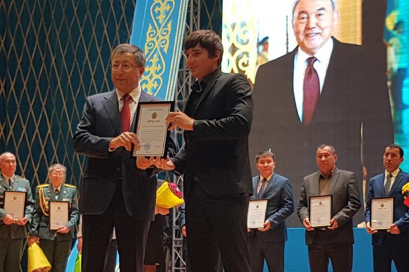 Лучших жителей ЮКО отметили на торжестве в честь Дня Первого Президента