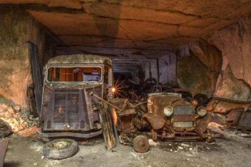 Францияда үңгірден 1930 жылғы автокөліктердің қоймасы табылды
