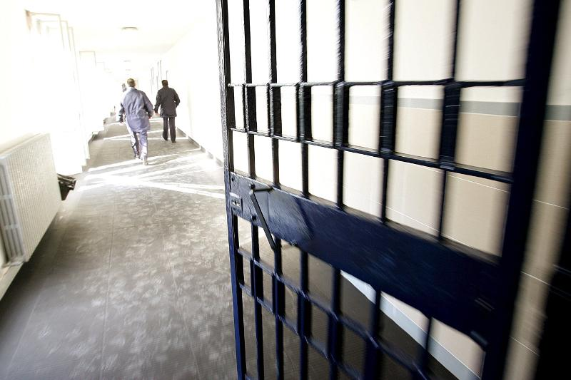 В Атырау суд вынес приговор 9 полицейским-вымогателям