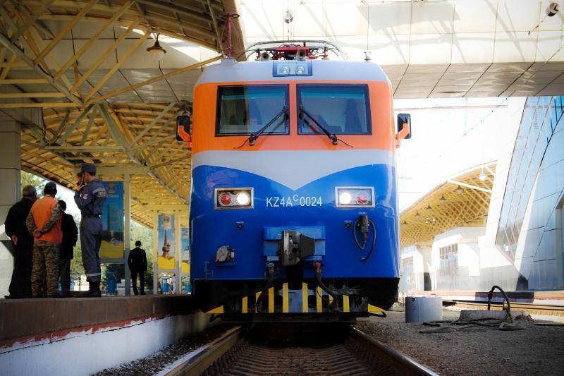 Новые поезда запустили на ж/д участке «Алматы-Шу»