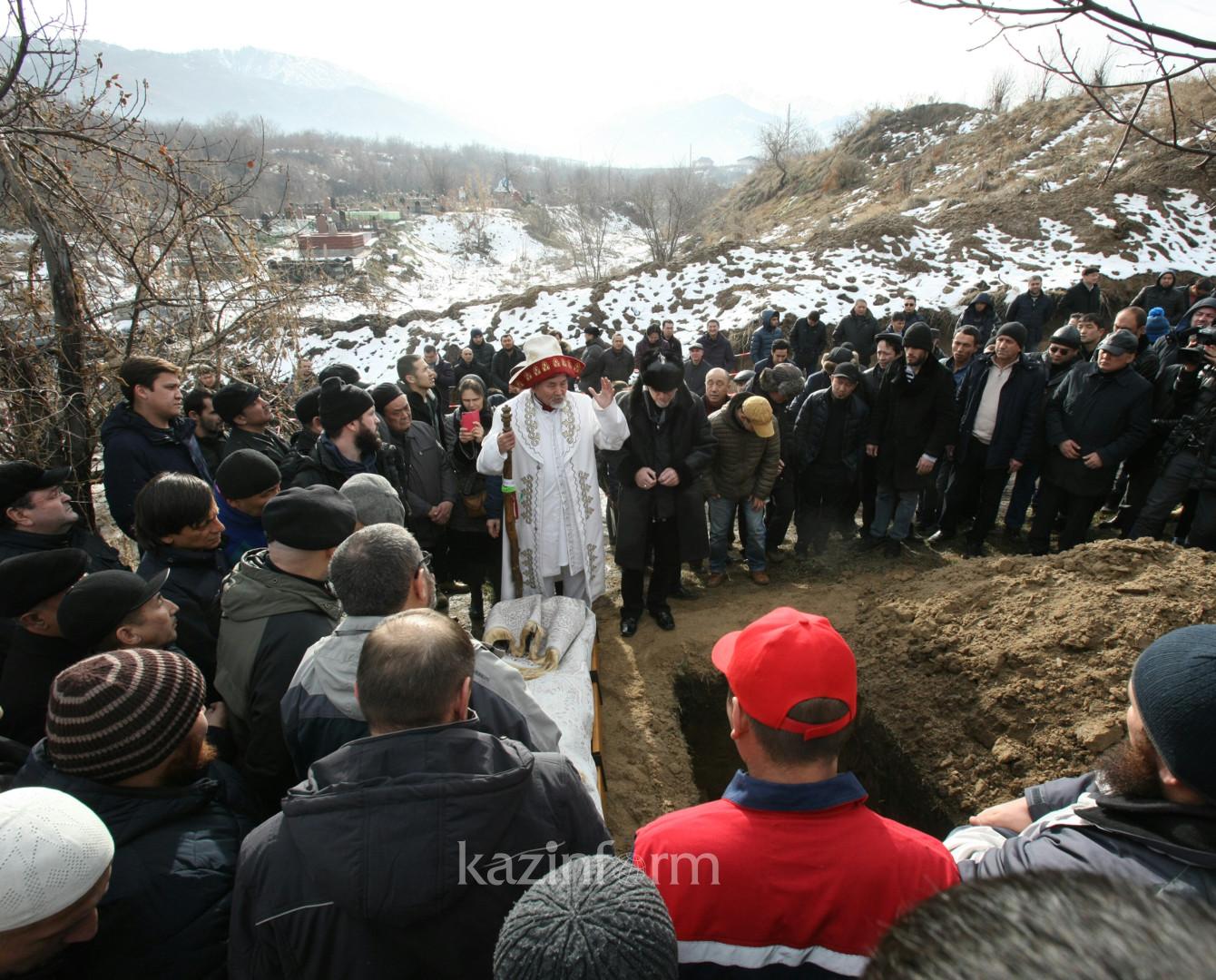 Гейдар Джемаль завещал оставить его в Алматы