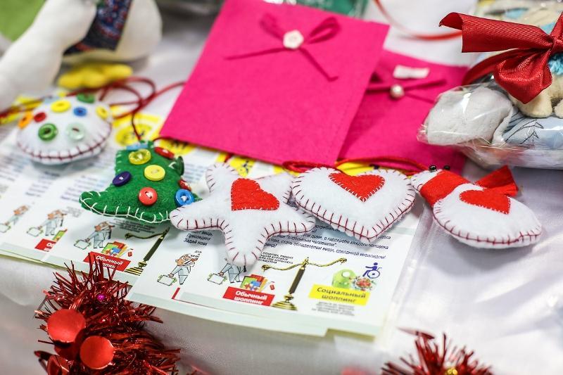 Алматыда Жаңа жыл алдындағы балалар еңбектерінің жәрмеңкесі өтті