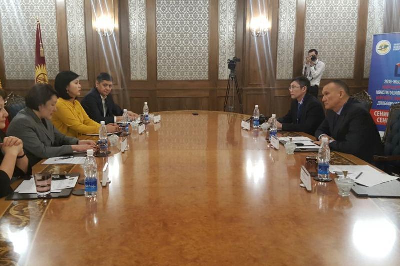 Глава ЦИК Казахстана встретился с кыргызской коллегой