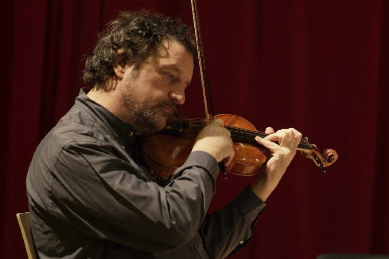 Павел Верниковтың құны 1,5 млн долларлық скрипкасын ұрлап кетті