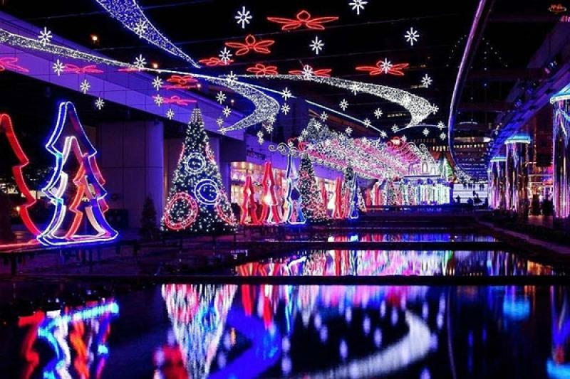 Свыше 20 тыс первоклассников Алматы посетят новогоднее шоу бесплатно