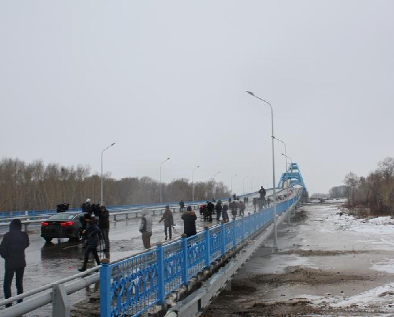 Крупнейший в Средней Азии мост открыли в Павлодаре