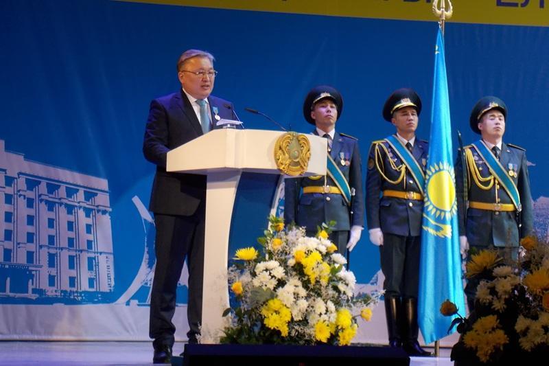 Около 100 карагандинцев получили госнаграды в честь юбилея Независимости