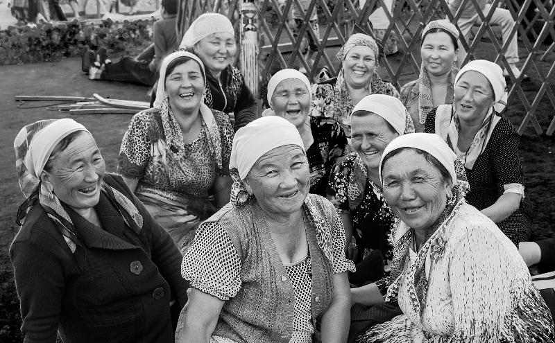 Покорившие французов фотоработы казахстанца выставлены в Астане