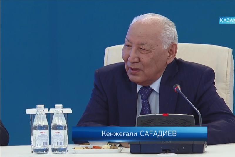 Nazarbaev Shevron kompanııasyn Qazaqstan munaıyn ıgerýge qalaı kóndirdi